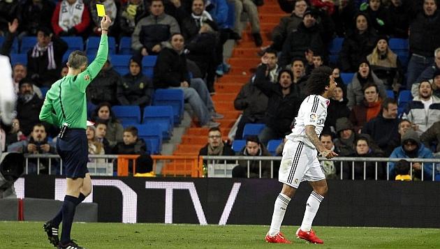 Marcelo recibe 5 amonestación (foto: www.marca.com)