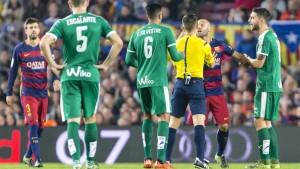Javier Mascherano, expulsado durante el partido ante el Eibar (Cordon Press)