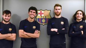 Jose Arnáiz, Carles Aleñá, Adrià Ortolá y Marc Cucurella, los cuatro jugadores del Barça B convocados para jugar con el primer equipo en la eliminatoria de la Copa del Rey en Murcia. (Paco Largo - Paco Largo / FCB)